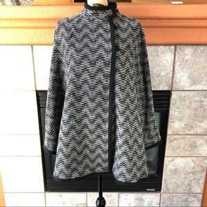 Pendleton Wool Cape Black & White One Size